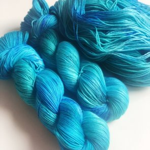 4ply Silkie / Flow Yarns Luxury / 102