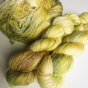4ply Silkie / Flow Yarns Luxury / 103