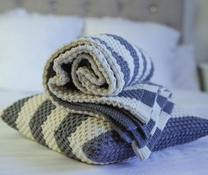 Blankets / Plaids / Bedspreads large - Pea Pattern Stripes